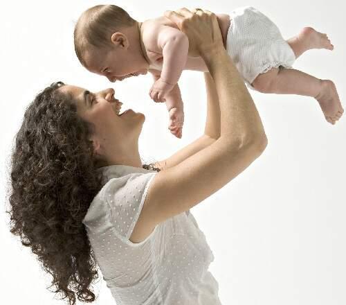 Al nacer un bebé nace también una mamá, juegos para bebés de 3 meses