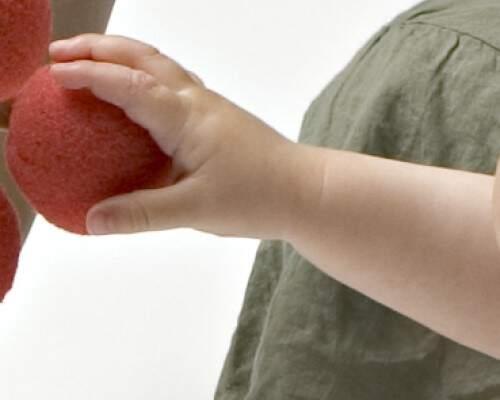 Manos y dedos en diferentes posiciones 2, juegos para niños desde 1 año